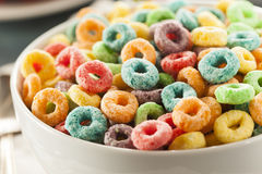 coloful-fruit-cereal-loops-bowl-43433240